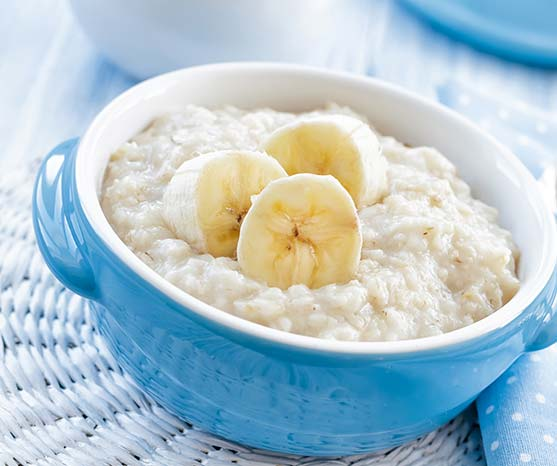 Good breakfasts include banana porridge, eggs with toast, and smoothies and toast.