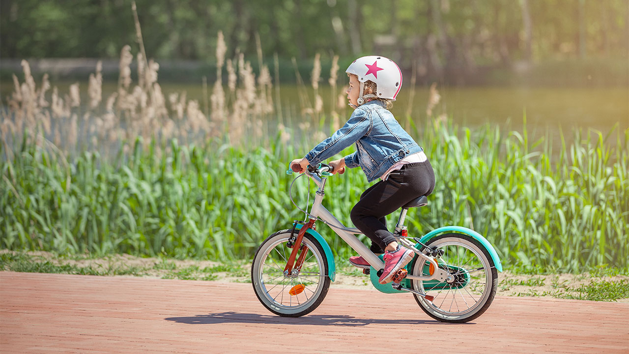 3f1ae03596e Bicycles, scooters & skateboards: safety | Raising Children Network