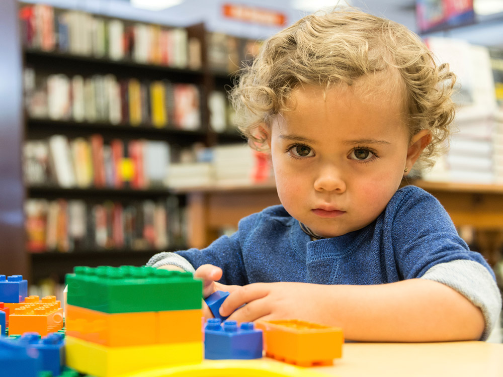 Signs Of Autism By 18 Months Evident In >> Early Signs Of Autism Spectrum Disorder Raising Children