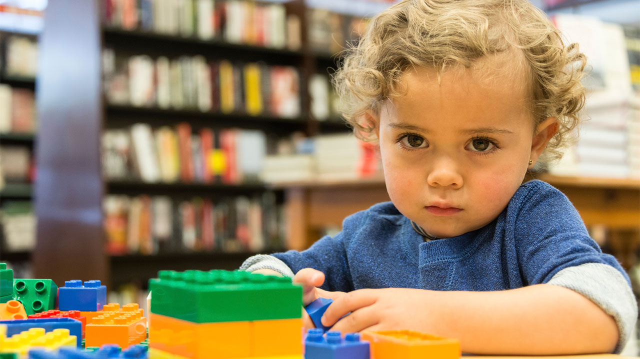 Signs Of Autism By 18 Months Evident In >> Early Signs Of Autism Spectrum Disorder Raising Children Network