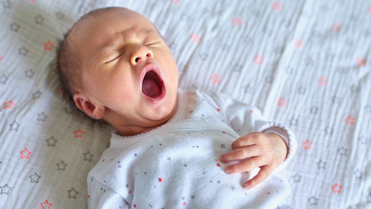 Helping baby sleep and settle: 0-6 months | Raising ...