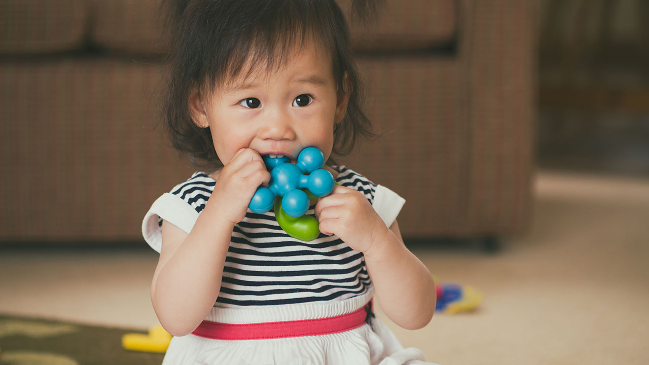 Teething Amp Other Toddler Teeth Issues Raising Children