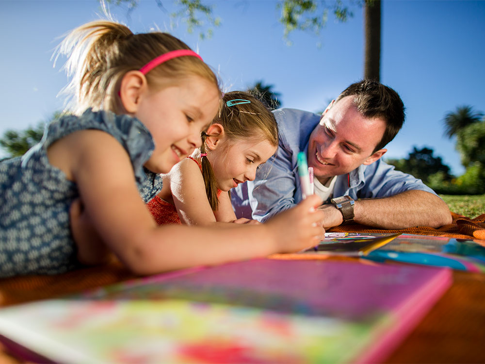 Friends & friendships: school-age children | Raising Children Network