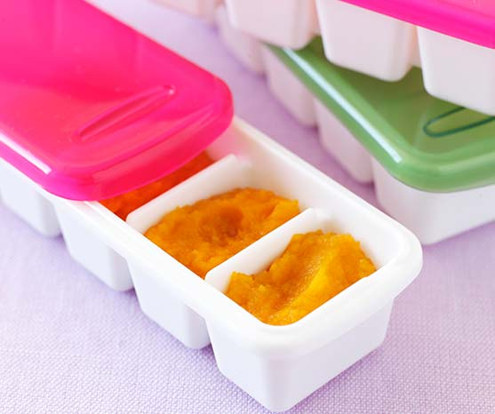 Store baby food in ice trays or plastic containers