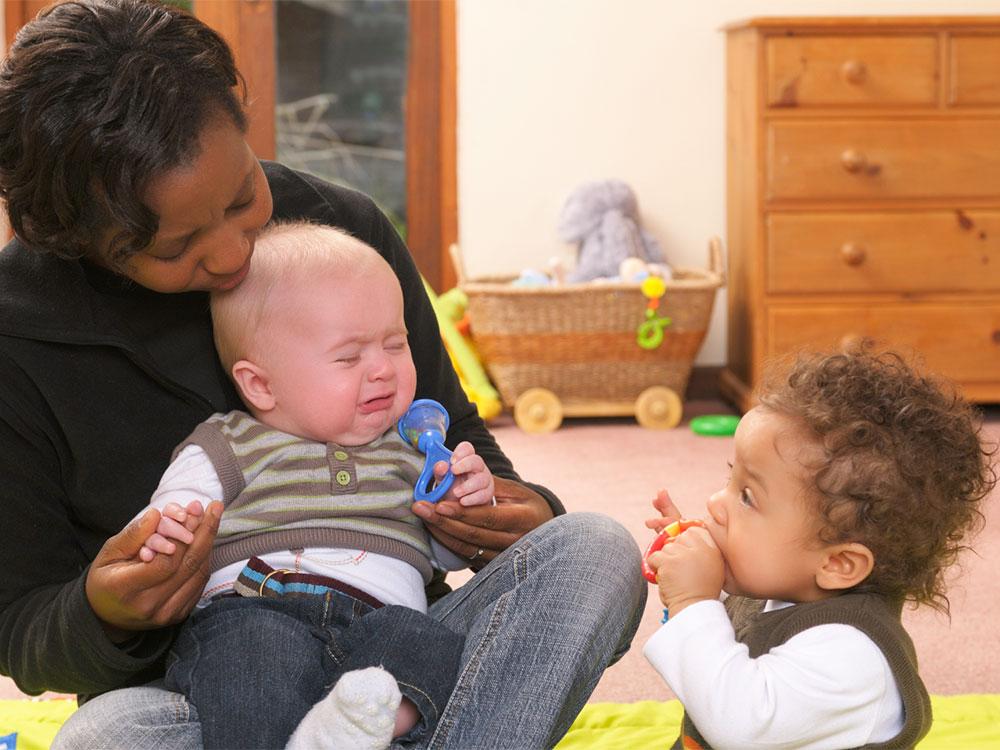 Fear Of Strangers Babies Young Children Raising Children Network